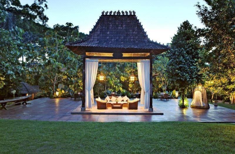 Reizen Bali tropische tuin van een resort