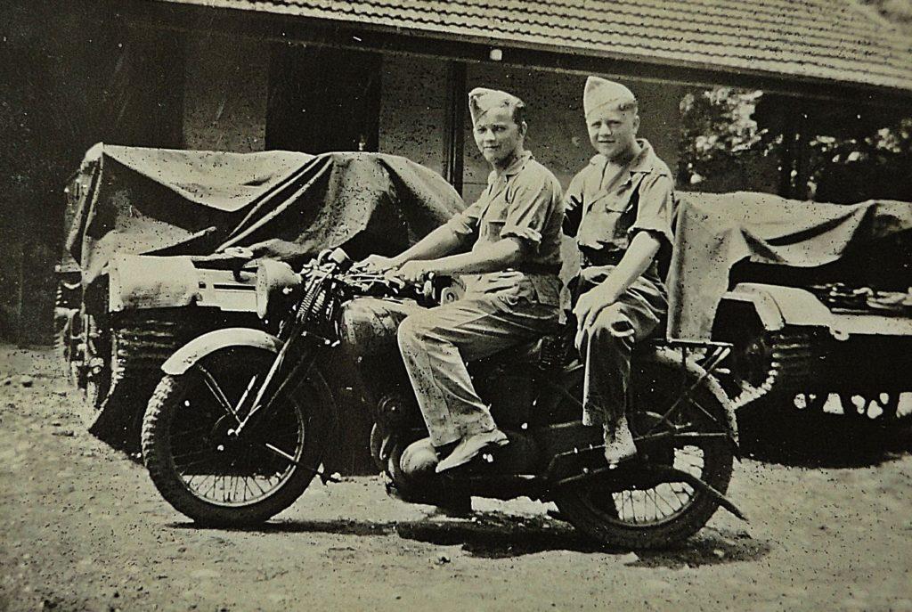 Reizen Indonesië oude foto leger